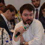 """""""Se não há condições regulatórias no Brasil, em outro país elas vão existir. Isso não impede que nós, empreendedores, consigamos operar."""" Fabio Silva, CEO da Latoex"""
